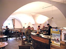 die Bar in neuem Glanz